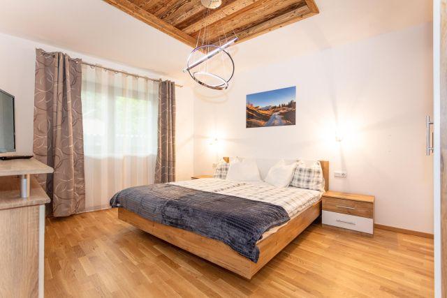 0892-17 FeWo Waidring Steinplatte-Schlafzimmer 3