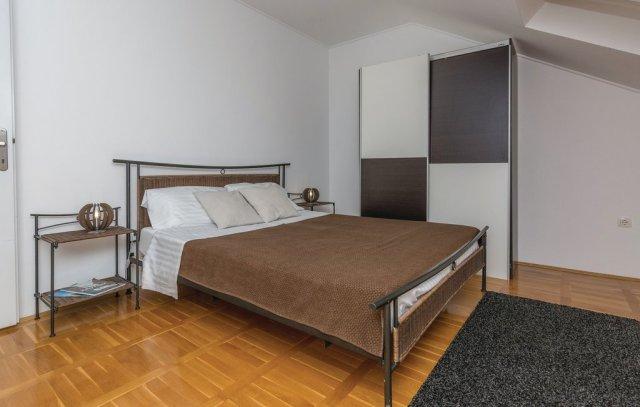 0913-12 FeHa Zupan Schlafzimmer 2