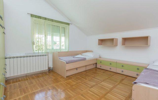 0913-13 FeHa Zupan Schlafzimmer 3