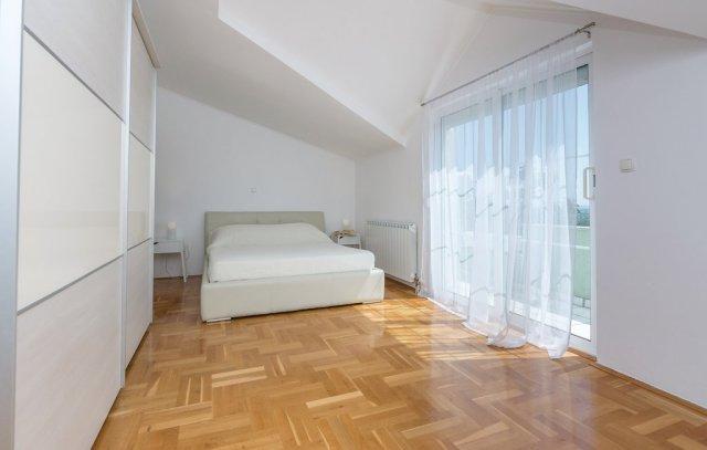 0913-14 FeHa Zupan Schlafzimmer 4