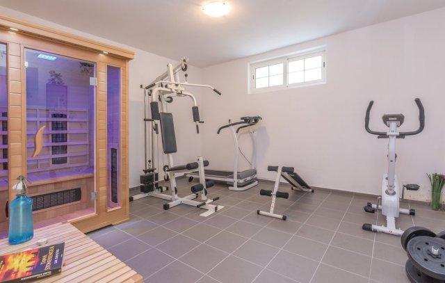0913-17 FeHa Zupan Fitnessraum